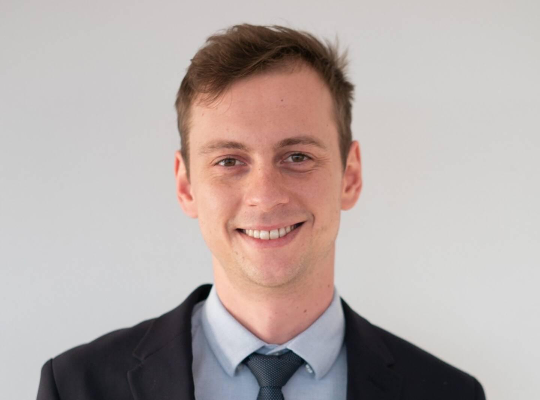 Antoine Pettier, meilleur réceptionniste d'hôtel en Paca, en attendant la finale internationale le mois prochain.