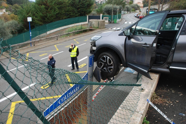 Illustration: une voiture accidentée.
