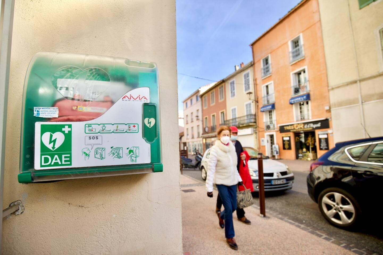 Fréjus compte maintenant quarante-cinq défibrillateurs, dont neuf disponibles sur la voie publique
