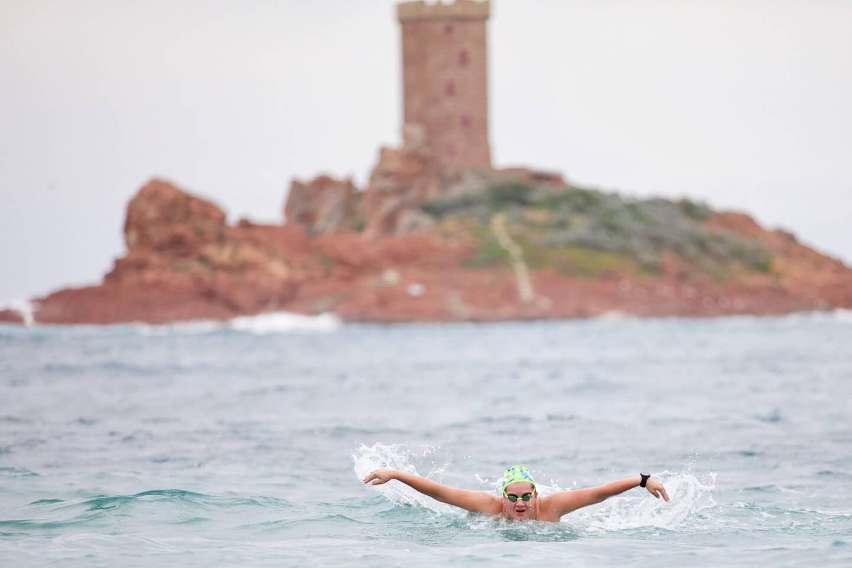 Océane Frappa ambitionne de traverser la Manche à la nage en juillet prochain. Pour parvenir à ses fins, la Roquebrunoise enchaîne les longueurs en mer et en piscine. Qu'importe la météo.