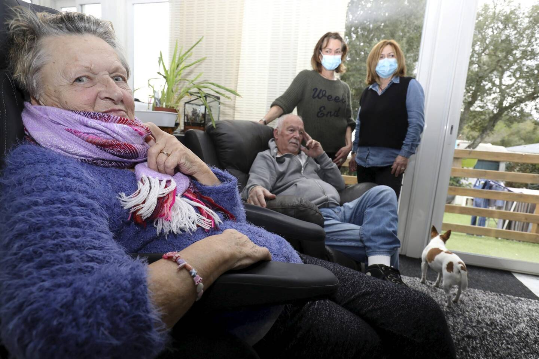 """La famille peine à trouver un infirmier pour accomplir à domicile les soins prescrits à Colette, la maman âgée de 80 ans, victime d'un accident vasculaire cérébral fin octobre. """"On n'a pourtant pas l'impression de loger au fin fond de la campagne!"""""""