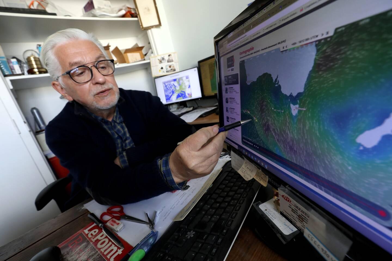 Pierre Lasnier, le créateur de Météomer et routeur des plus grands navigateurs, donne actuellement un coup de main au Bandolais Pierre-Henry Mahul, parti faire un tour du monde à la voile.
