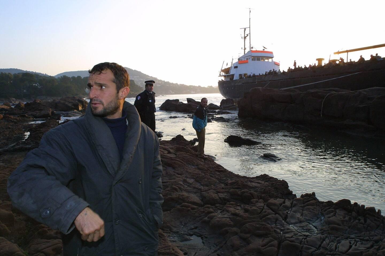Une immense chaîne de solidarité s'était mise en place dès les premières heures suivant l'échouage de plus de 900 réfugiés à Boulouris, le 17 février 2001.
