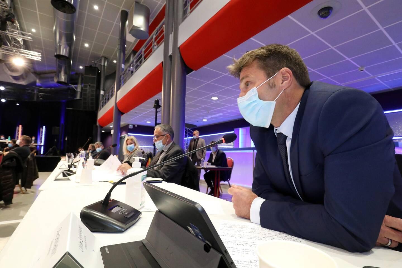 Olivier Spinnhirny (au premier plan) et Pierre Cordina (à sa droite) ont officialisé leur ralliement, ce vendredi soir, à Frédéric Masquelier