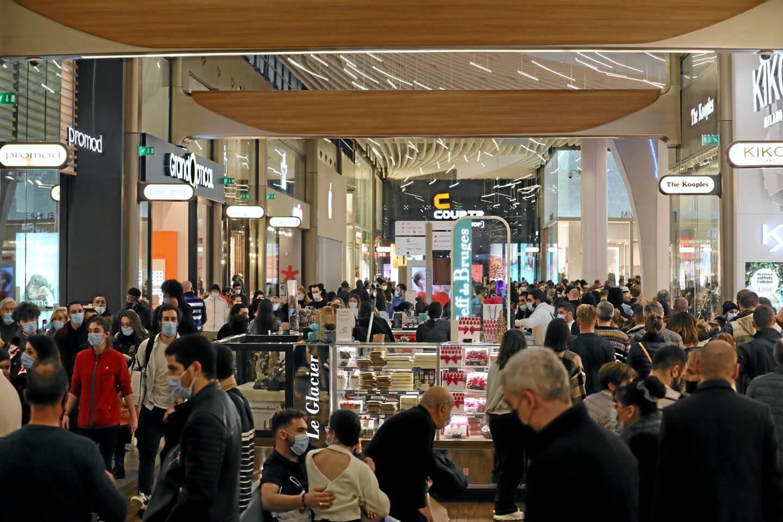Les centres commerciaux ont été pris d'assaut ce samedi. Ici Cap 3000
