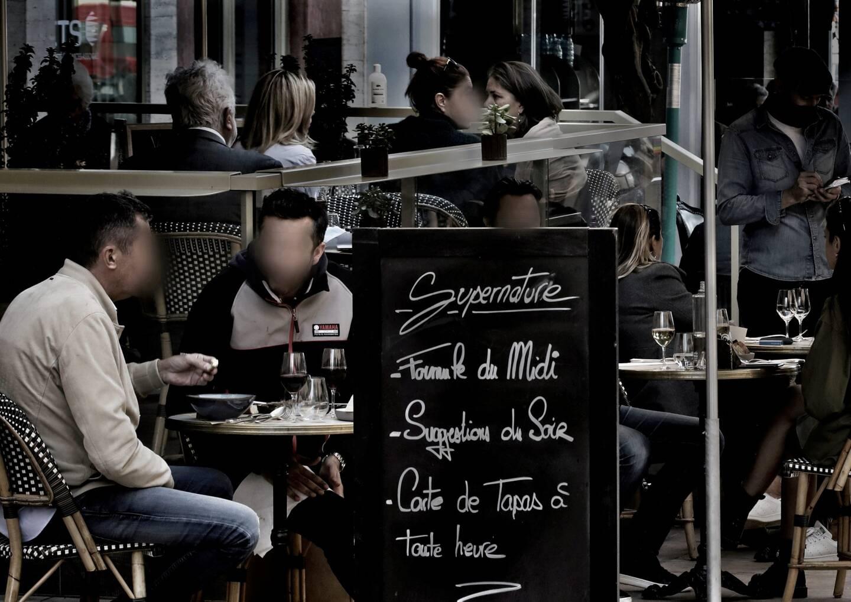 Assouplissements concernant les restaurants: les clients y sont accueillis de 19h à 23h, mais toujours en montrant un justificatif: résider, travailler ou étudier en Principauté, ou bien y séjourner à l'hôtel.