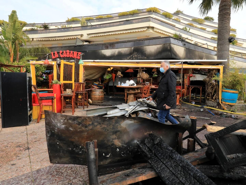 Un incendie a ravagé, dans la nuit de samedi à dimanche, les restaurants Le Dylano et La Cabane.
