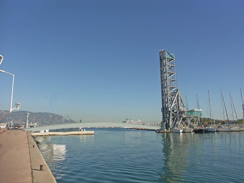 Le pont, s'il voit le jour, s'implanterait à cet endroit. Cette esquisse sommaire apparaissait dans le programme électoral Nathalie Bicais.
