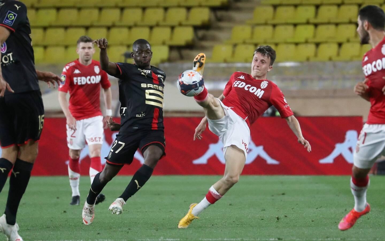 Aleksandr Golovin buteur et passeur décisif contre Rennes.