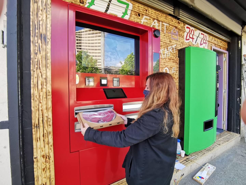 Deux nouveaux distributeurs de pizzas ont fait leur apparition en centre-ville.
