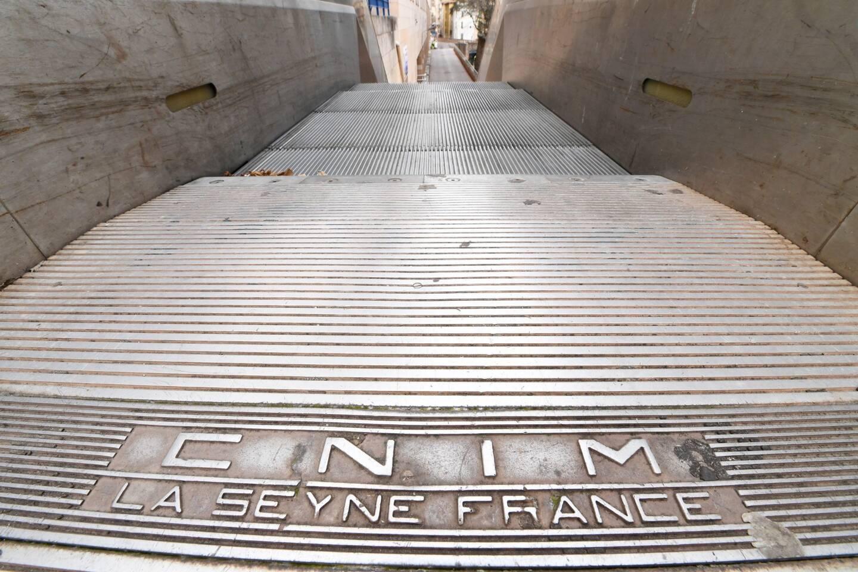 C'est en 1989 que Cnim a fourni les abords du centre commercial Mayol (alors en construction) en escalators.