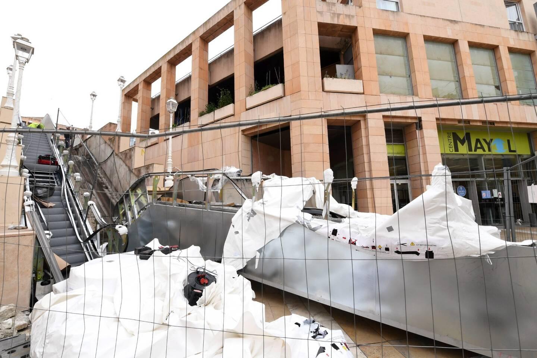 La Ville a décidé de remplacer les deux escalators Cnim de la place du Mûrier. La mise en service des nouveaux dispositifs est prévue pour dans deux semaines.