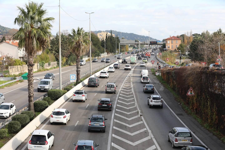 L'autoroute A57. Illustration.
