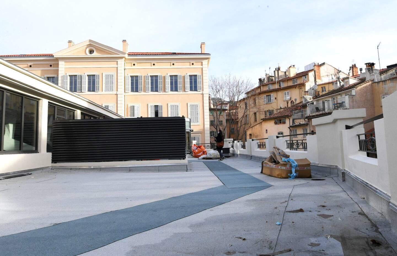 """""""Clou du spectacle"""", un toit terrasse de 150 mètres carrés accueillera un bar à cocktails."""