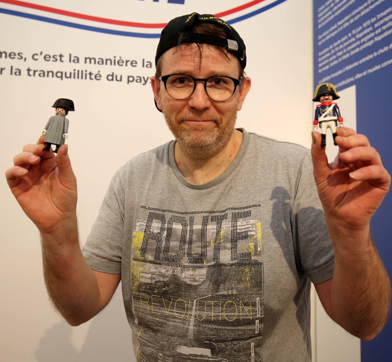 Dominique Béthune réalise des scénographies avec sa collection de Playmobil® pour les lieux culturels.