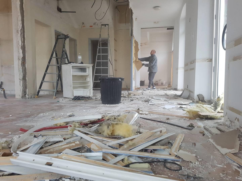 Le rez-de-chaussée, dont toutes les cloisons ont été démolies, accueillera prochainement un laboratoire de biologie médicale du groupe Bioestérel.