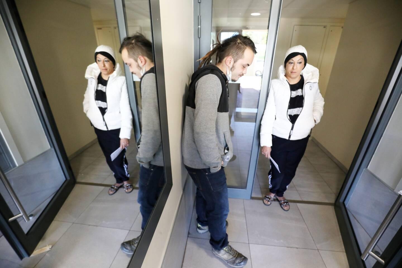 Dimanche matin, dans le hall d'entrée de la résidence Terra Gaïa à Fréjus, les voisins de la victime étaient encore sous le choc.