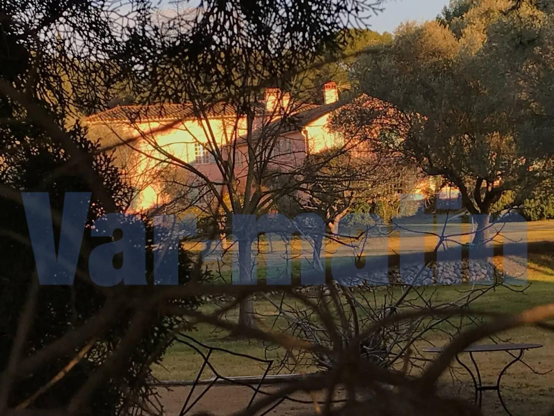 L'une des bâtisses sanaryennes, où les vacances d'été des Duhamel se vivaient en famille et entre amis.