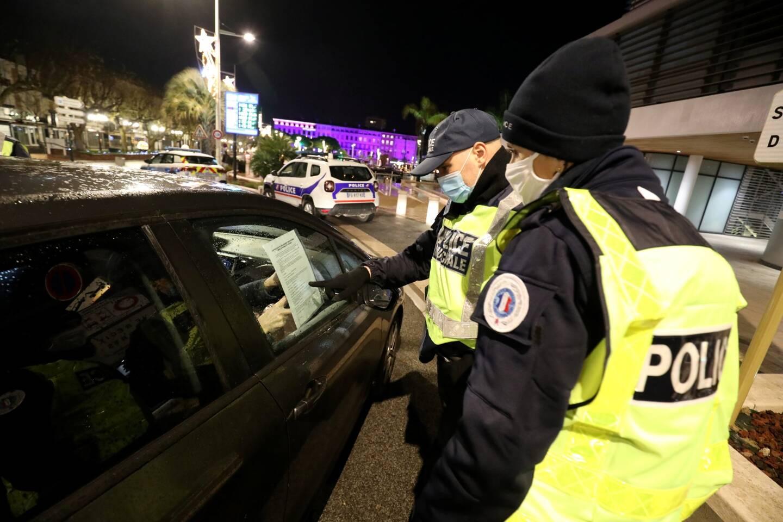 Contrôle du respect du couvre-feu, ce 31 au soir à Saint-Raphaël.