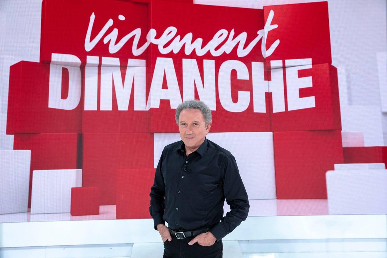Victime d'un triple pontage en septembre, Michel Drucker, 78 ans, n'avait pas participé à la rentrée de France Télévision. On s'était même inquiété pour son avenir médiatique. Vivement Dimanche, dimanche 28 mars à partir de 15h10 sur France 2.
