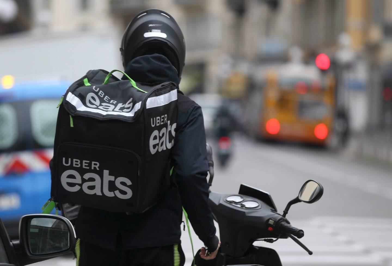 bagarre de 2 livreur Uber eat en Algérie