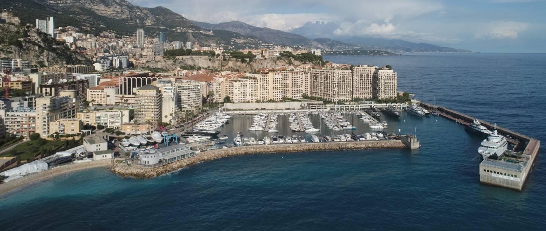 Pour que les Niçois, salariés à Monaco, puissent se rendre au travail par la mer, le port de Cap-d'Ail a été privilégié à celui de Monaco. Une raison avant tout juridique.