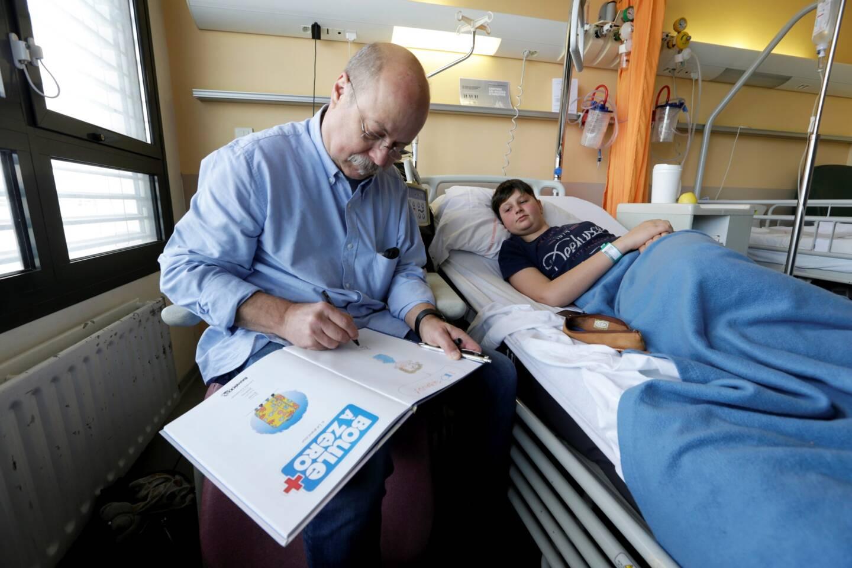 Avec Serge Ernst, les ados hospitalisés sortent de leur bulle