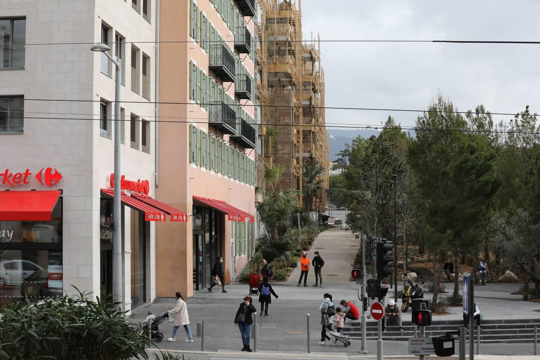 Avec son parc paysager de 3 hectares inauguré en janvier 2020, ses 300 logements et 5.900 m2 de commerce en rez-de-chaussée, le quartier s'est métamorphosé.