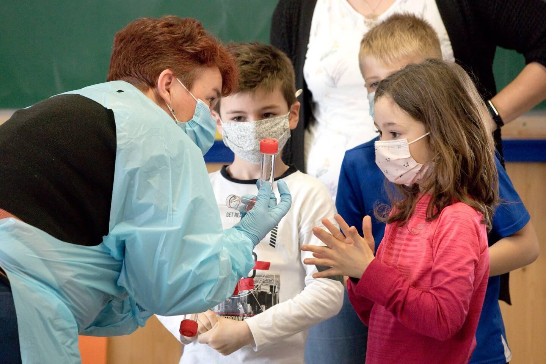 Les tests salivaires débarquent dans les écoles de La Turbie.