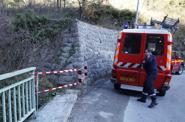 Le véhicule a dévalé une vingtaine de mètres.