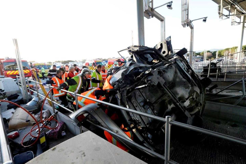 Péage de Fréjus: quatre morts et deux blessés graves dans un terrible accident