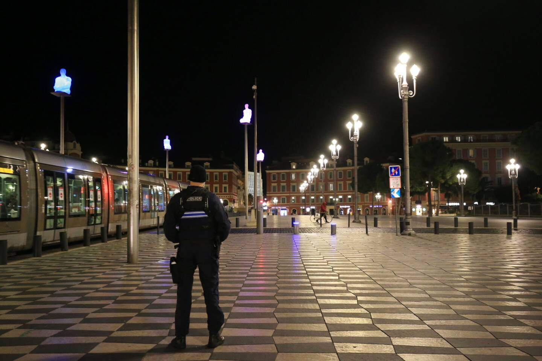 La place Masséna à Nice vide dès 18 heures ce samedi: une forte probabilité!