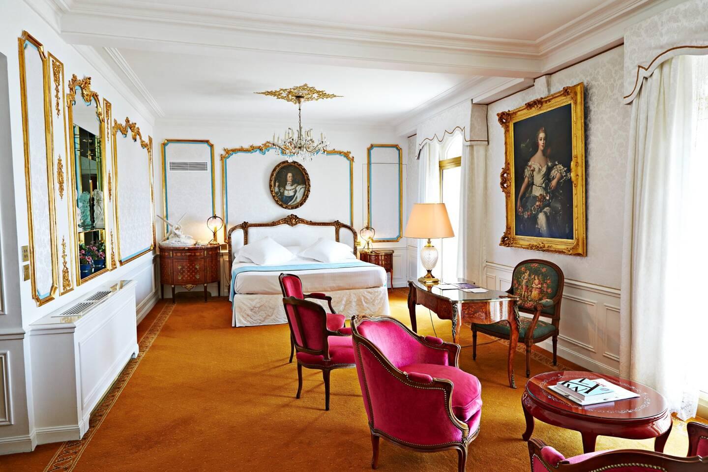 La Pompadour, une des dix suites d'exception. Grande favorite, qui entre dans l'histoire de l'hôtellerie de luxe à la manière du palace niçois.
