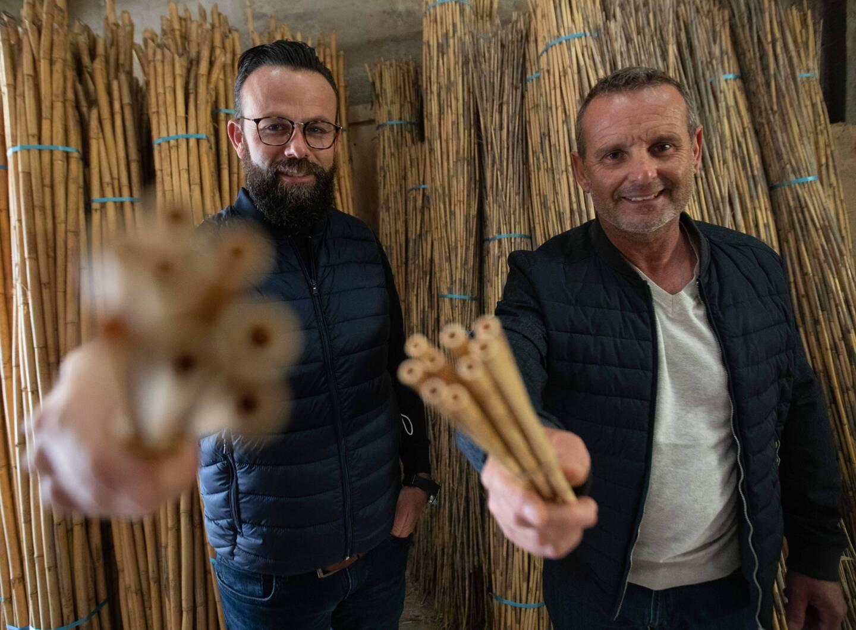 Chez Rigotti, les rebuts issus des anches se muent en pailles écologiques et chics!