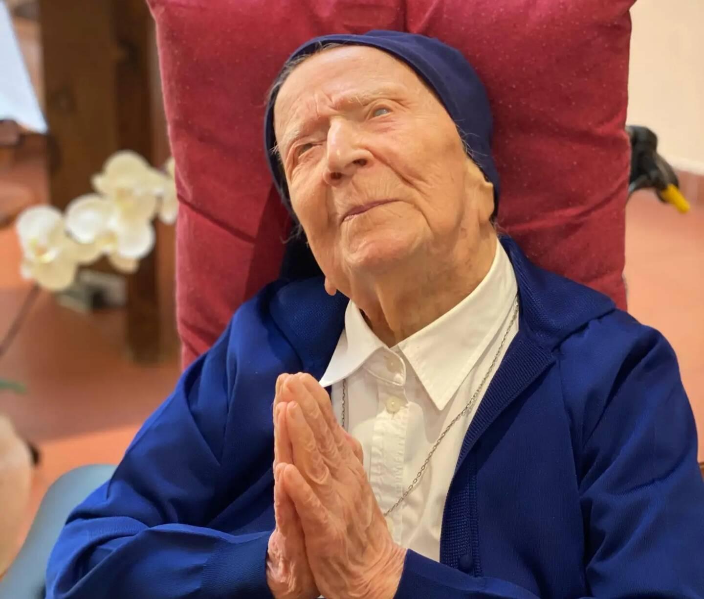 Sœur André, hier à Toulon. Le sourire de celle qui avec son exemple fait figure d'espoir mondial.