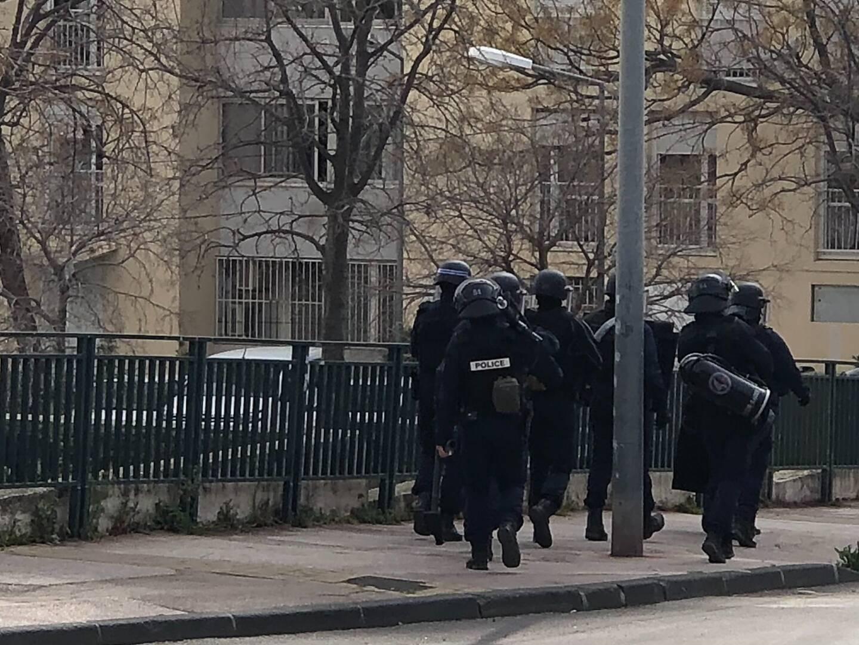 Des renforts de la section d'intervention ont investi le quartier de La Beaucaire à Toulon ce lundi midi.