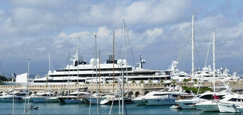 Le quai des milliardaires à Antibes, membre du réseau mondial des villes portuaires. (R.Y.)