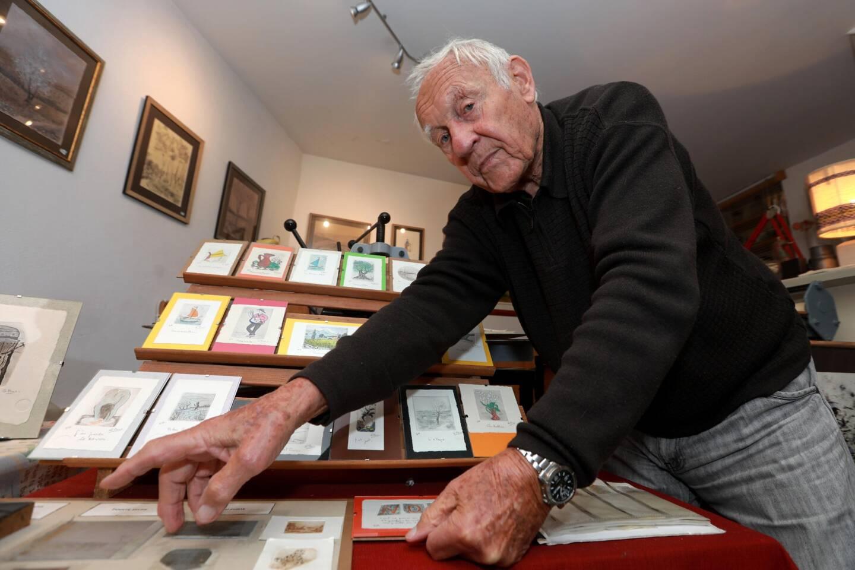Sur les tables, ce qu'il écrit, sur les murs, ce qu'il grave... Gérard Pons est graveur installé depuis plus de 30 ans au Castellet.