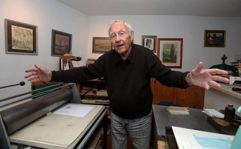 Gérard Pons est âgé de 92 ans.