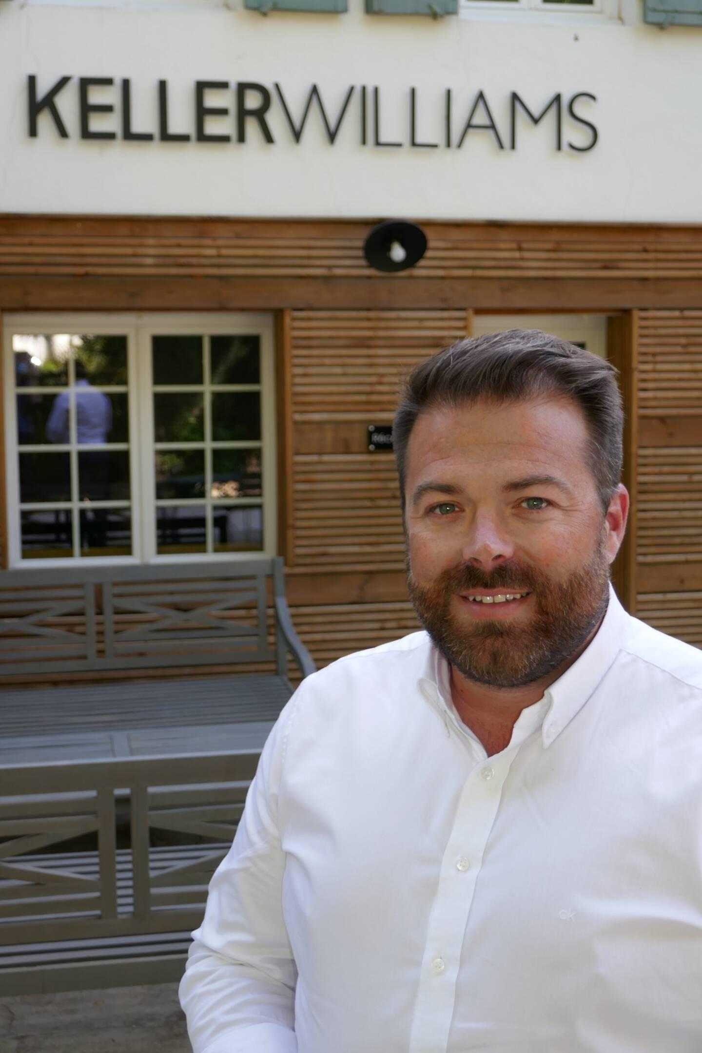 Julien Savelli, dirigeant des agences Keller Williams à Hyères et Ollioules.