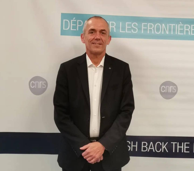 """Antoine Petit, PDG du CNRS, en visite à la délégation régionale située à Sophia Antipolis. Il a notamment expliqué pourquoi le """"quantique, c'est magique""""."""