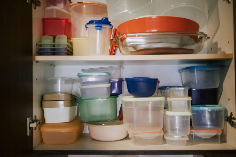 Dans chaque foyer, un placard à Tupperware existe