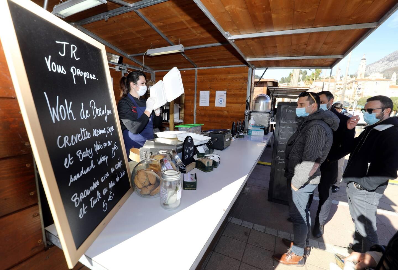 Les restaurateurs proposent de nombreux plats à petit prix et reverseront 10% de leur recette à ceux de la Roya.