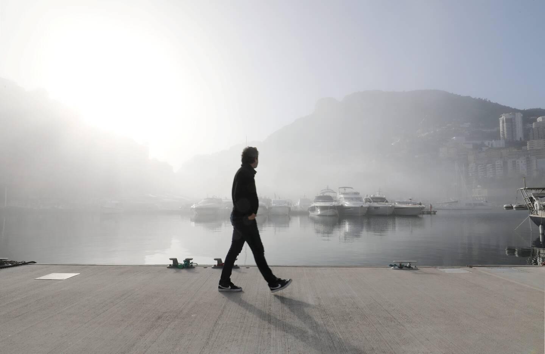 La brume empêche toute visibilité ou presque.