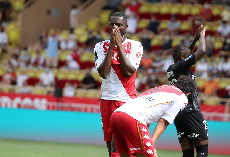 Le jeune belge Matazo titulaire contre l'AS Saint-Etienne.