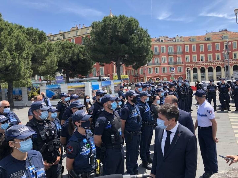 Manifestation spontanée pou démonstration de force organisée par la mairie ?