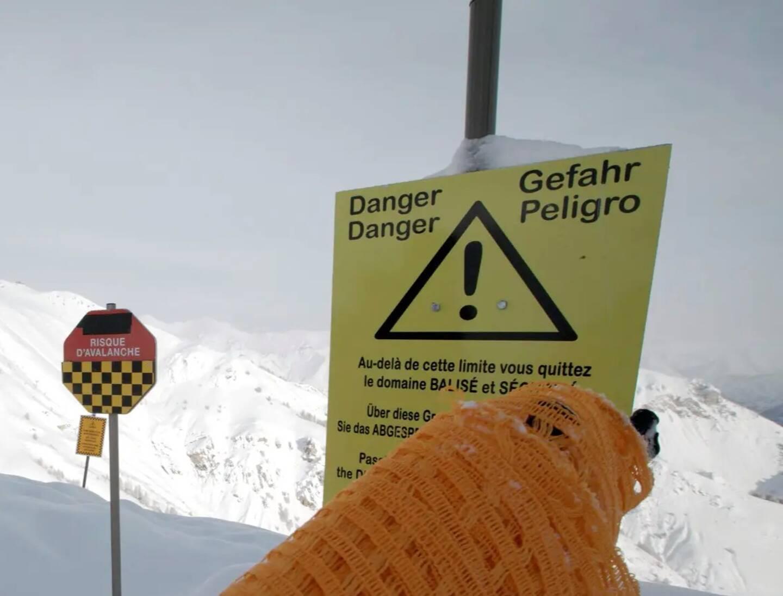 Trois skieurs sont morts emportés par une avalanche dans les Hautes-Alpes ce lundi matin.