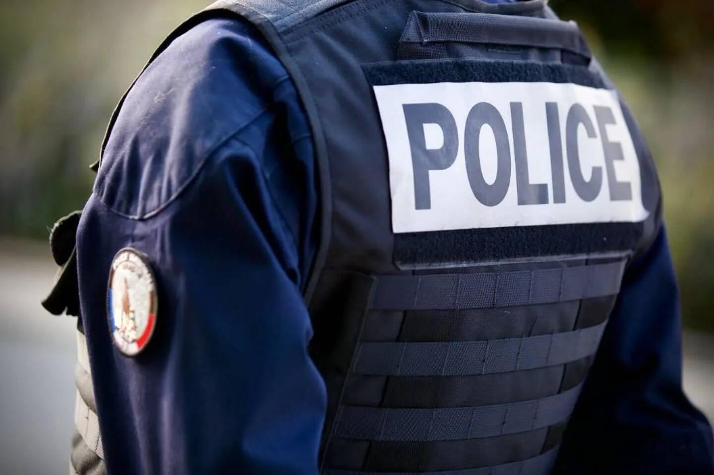 Un policier a été opéré à Saint-Etienne dans la nuit de jeudi à vendredi, après avoir reçu un projectile à la tête au cours d'une intervention pour tapage nocturne.