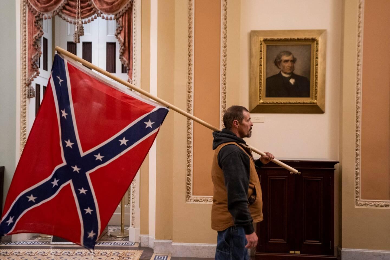 Des militants pro-Trump ont péntré dans le Capitole.