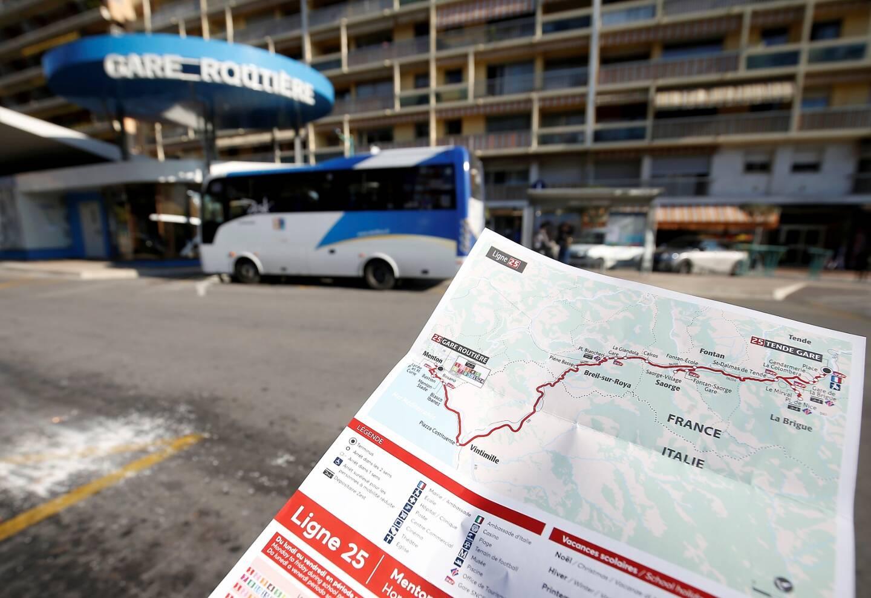La ligne 25 du réseau bus Zest relie Menton et la vallée de la Roya (illustration).